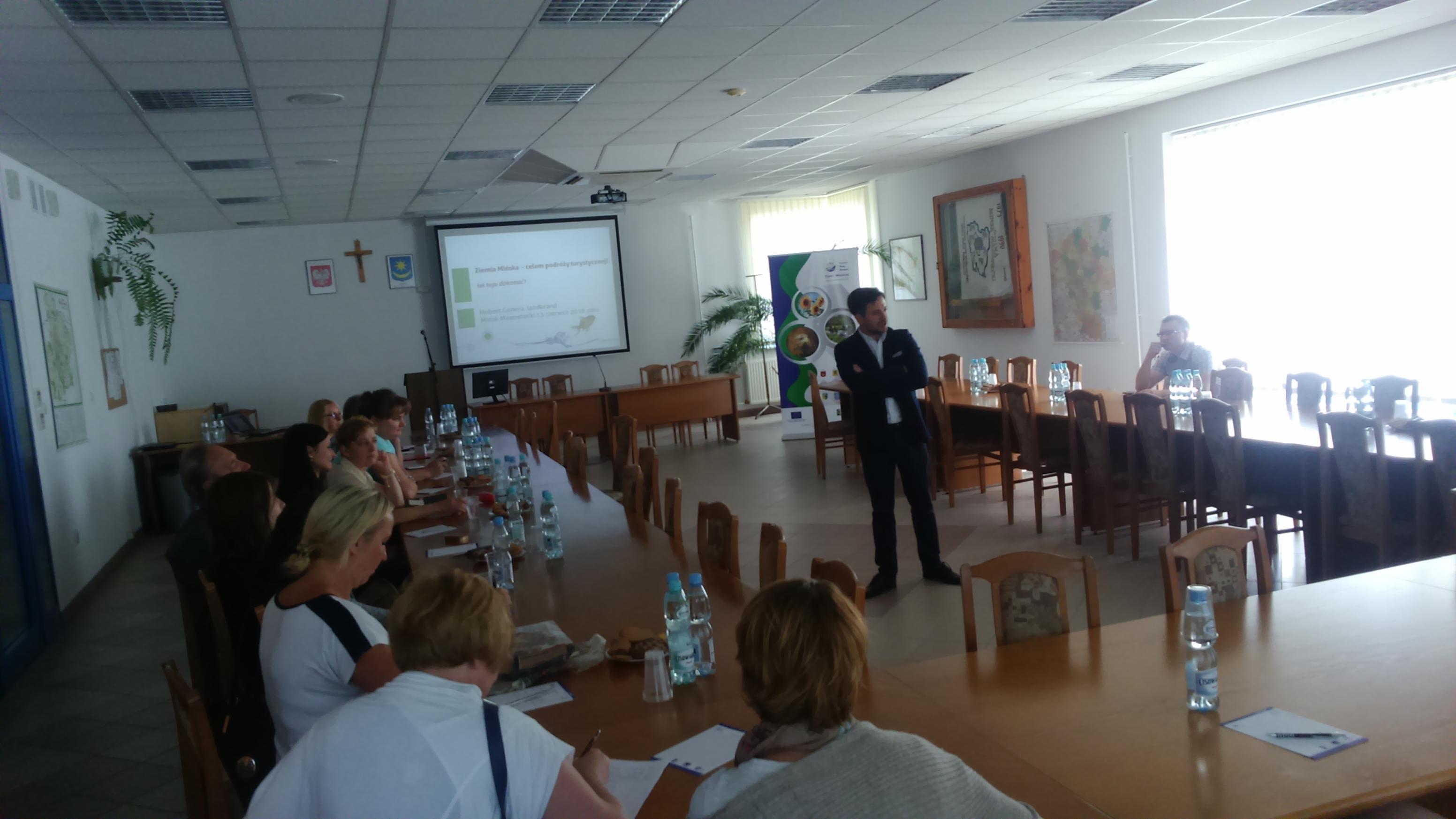 Szkolenie z możliwości pozyskiwania środków na działalność gospodarczą  oraz współpracę między podmiotami